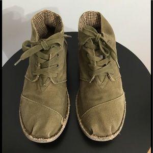 Toms Army Green Desert Canvas Chukka Boots